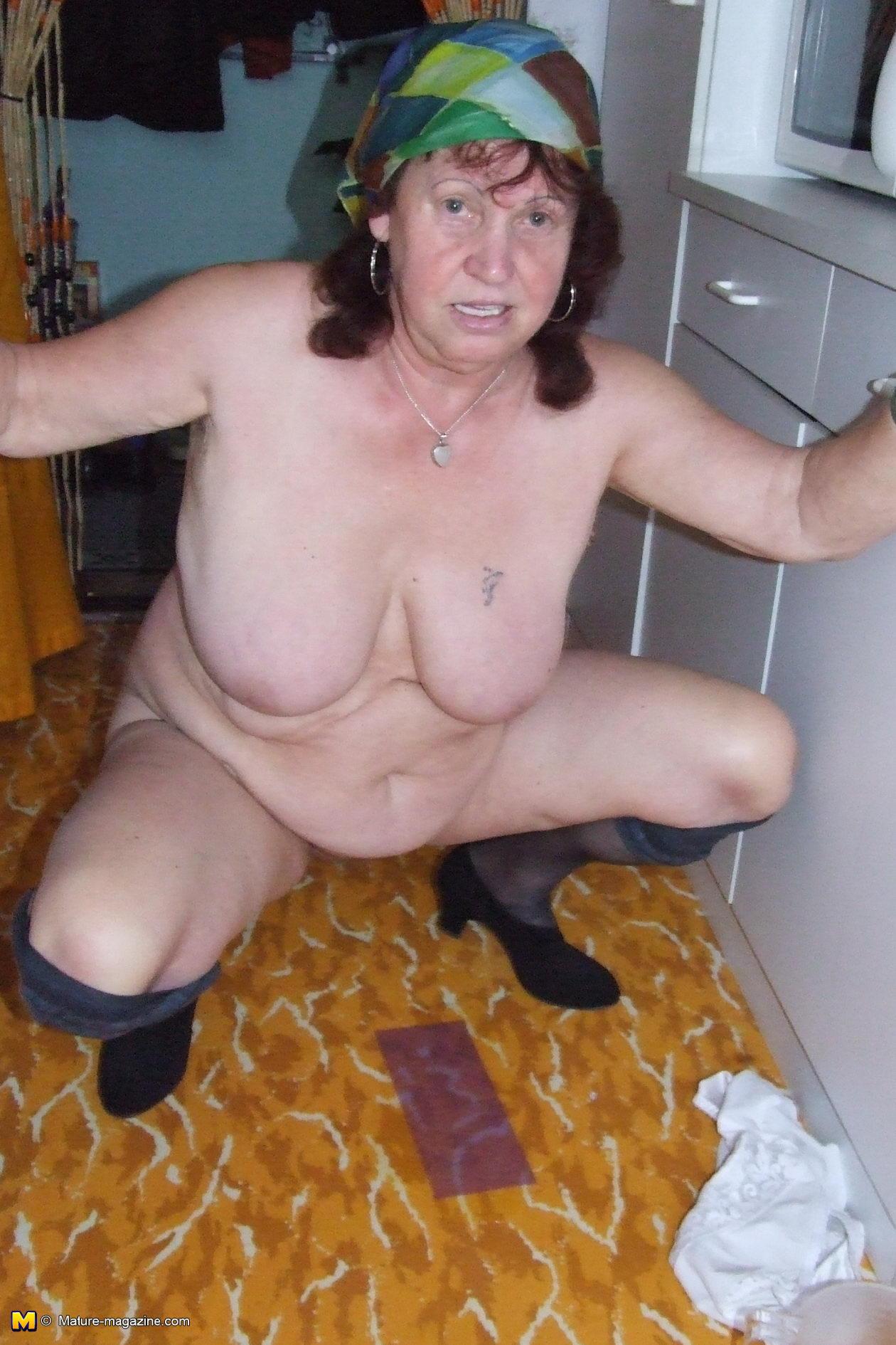 Убирала квартиру порно 6 фотография