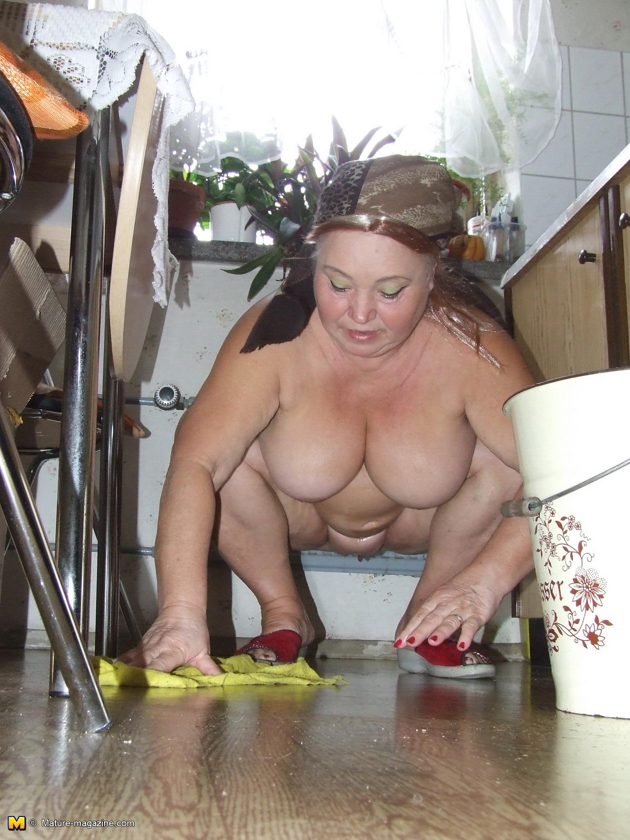 cleaning lady porn