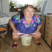 Mature cleaning lady makes it dirty