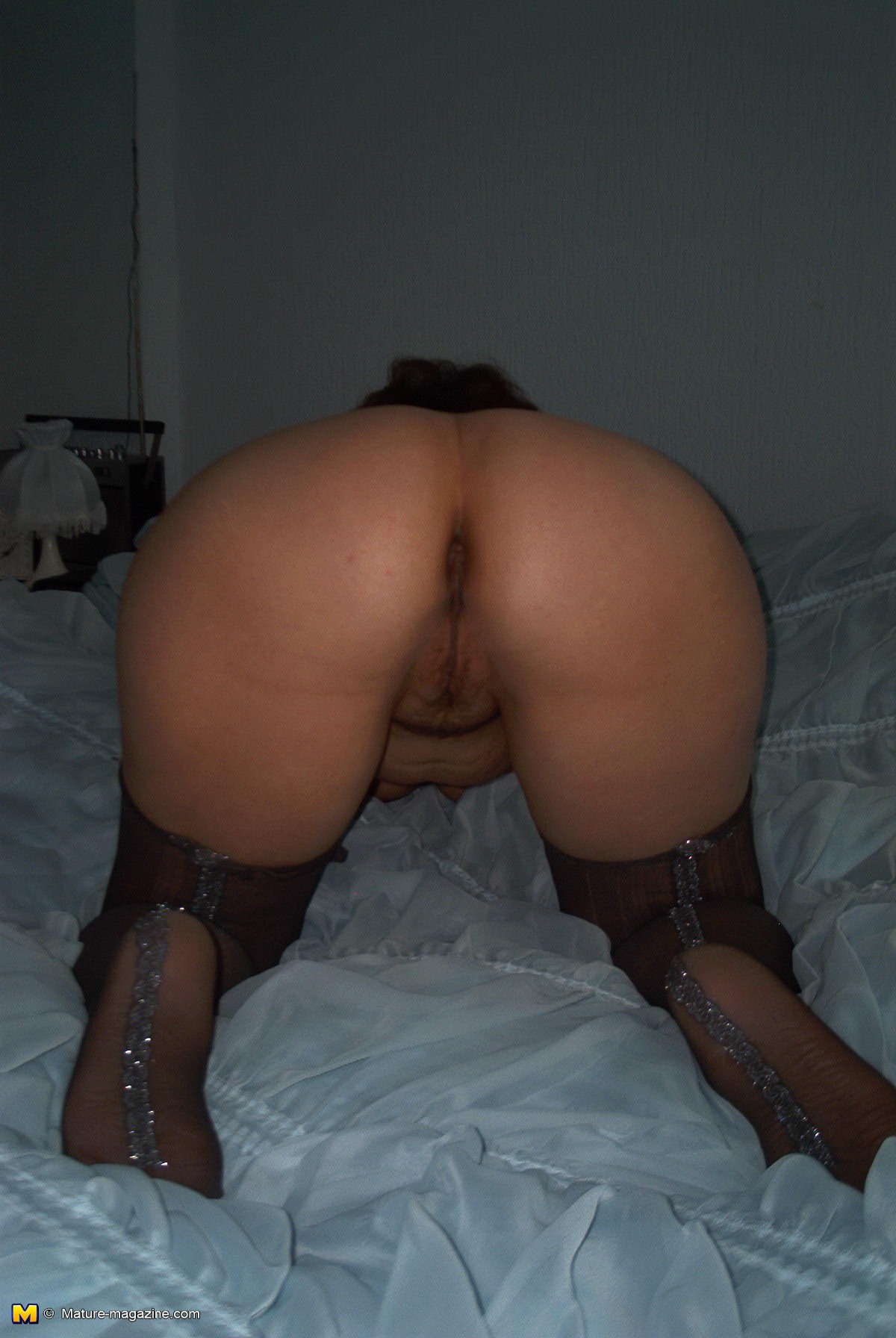Kinky wife likes to get pissed on 10