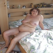 big mama showing her body for the cam