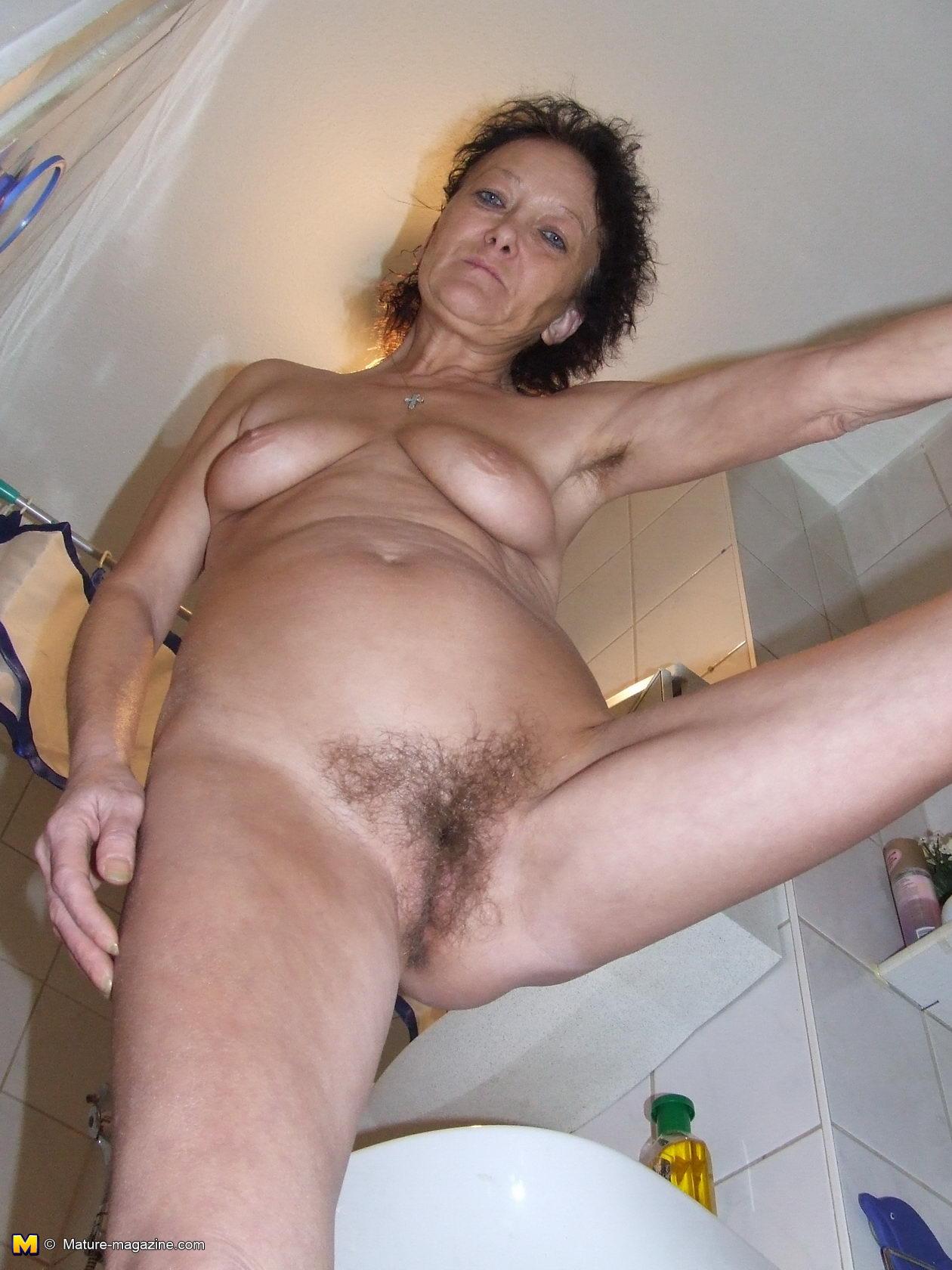 Tara reid botched boob pic