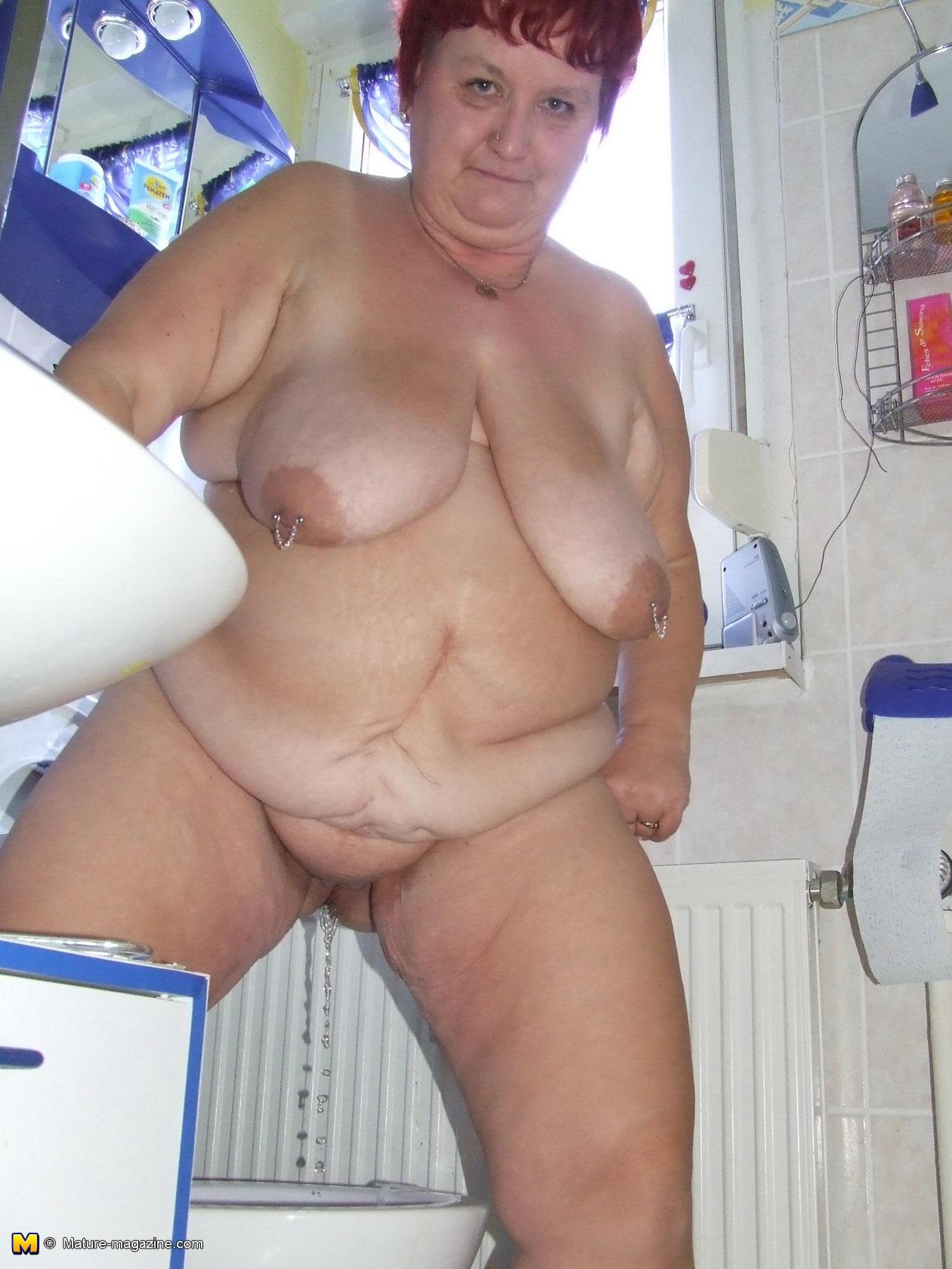 Sluty mature mom