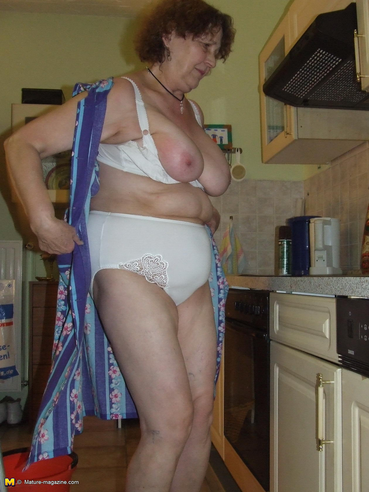 Granny kitchen mature