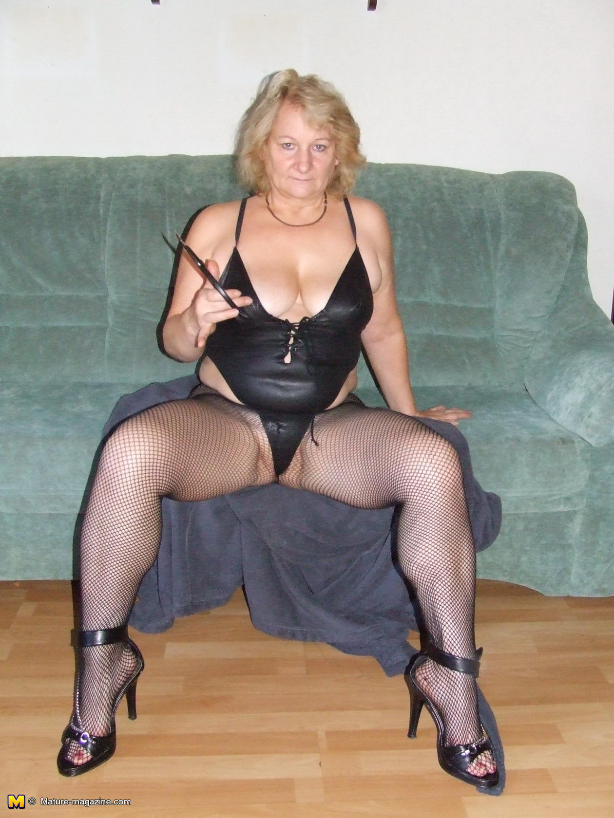Mature slut seductive