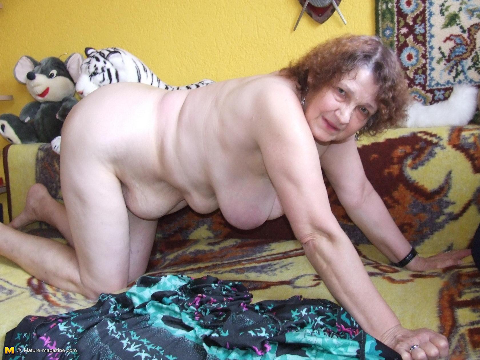 Старая мама разделась фото 8 фотография