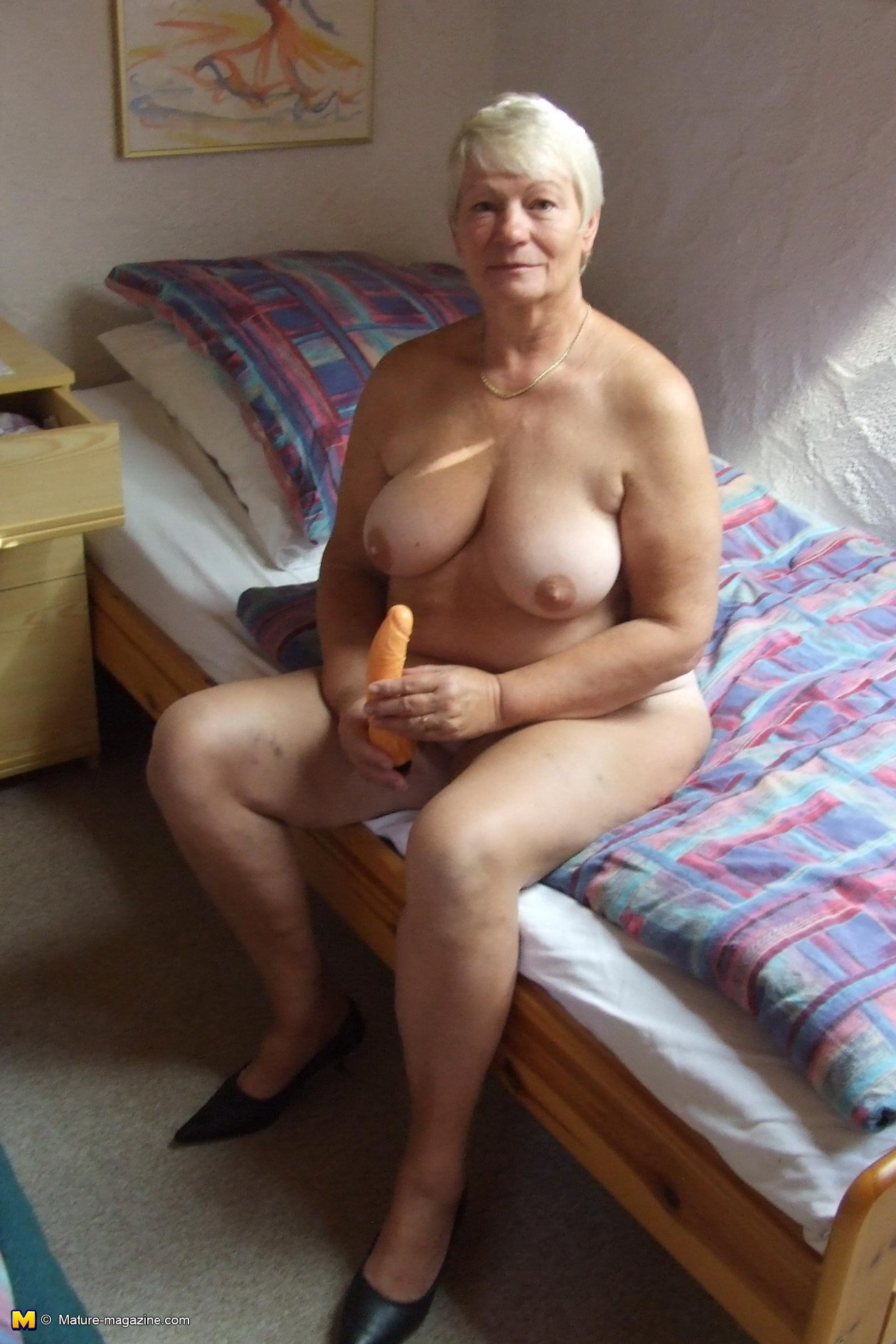 67 year old cougar creampied by her 30 year old cub 2