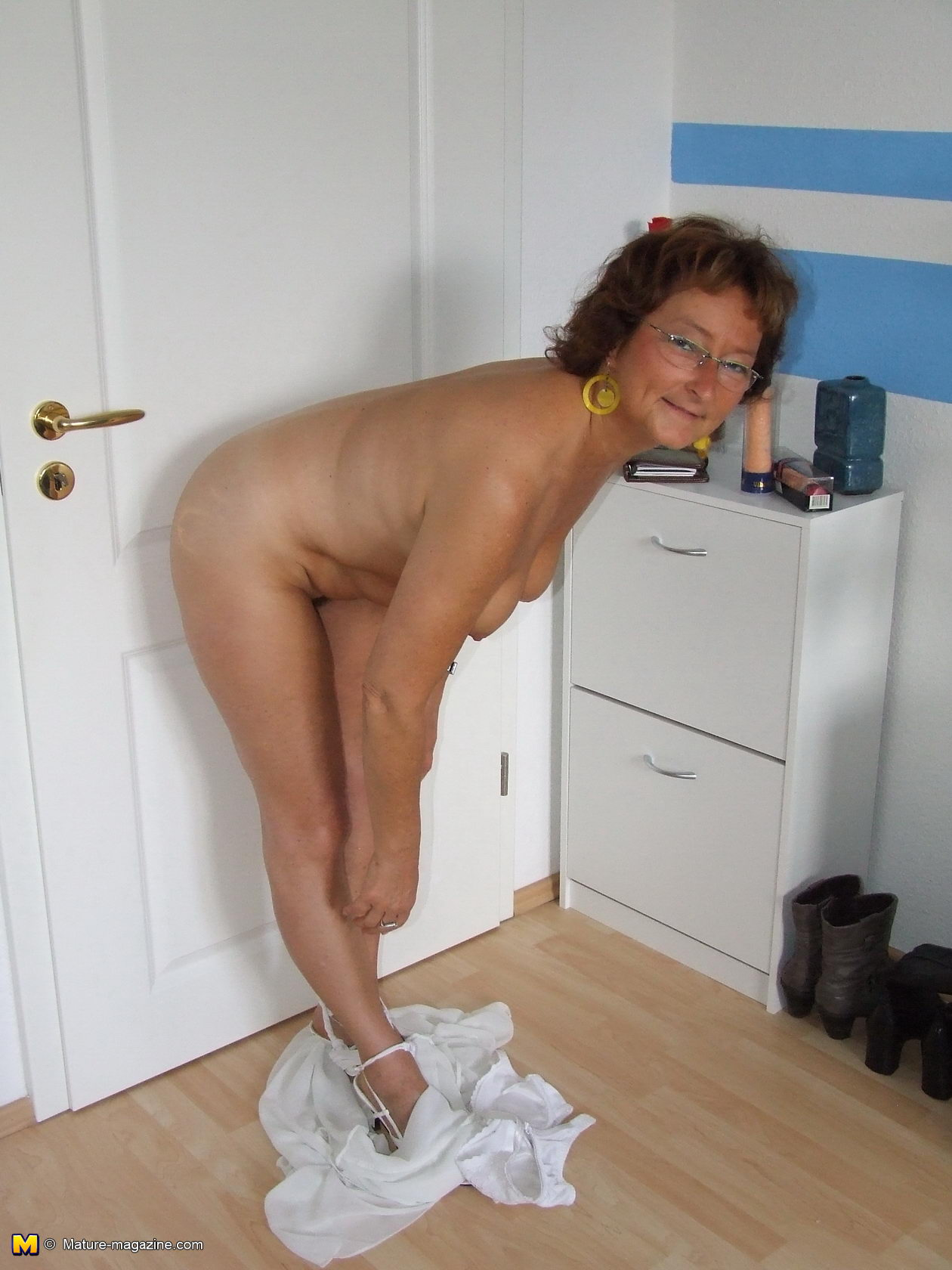 mature wife in bedroom