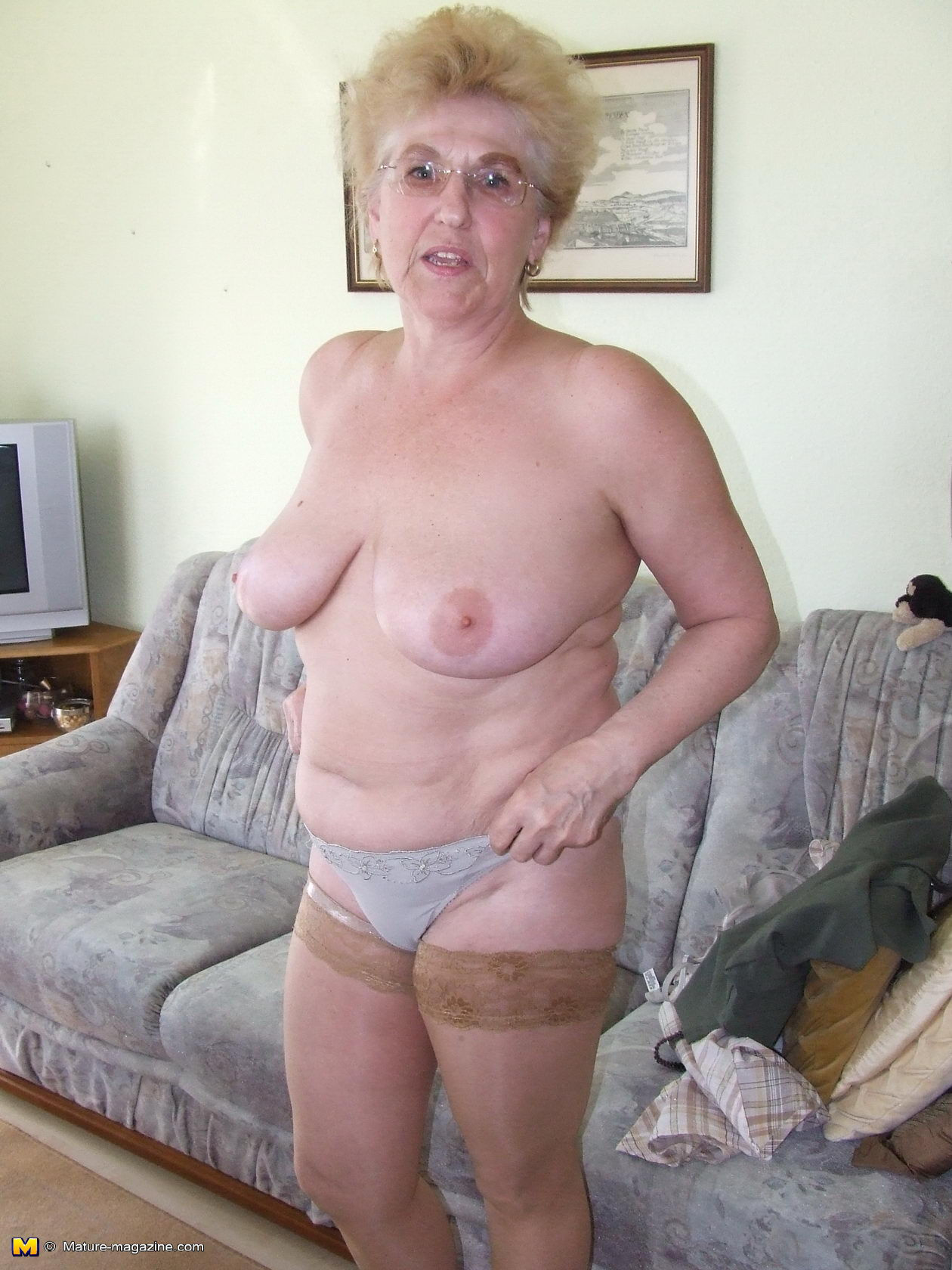 amateur older wives showing