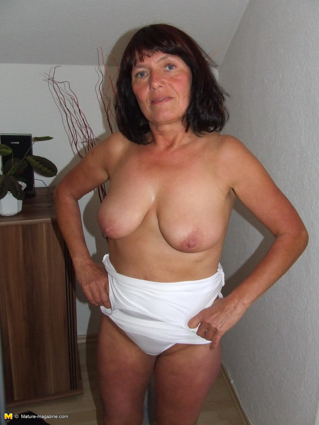 Free milf pic mags online